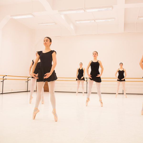 balet w poznaniu szkoła baletowa anny niedźwiedź