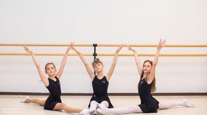 Fakty i mity o balecie - uczennice Szkoły Baletowej Anny Niedźwiedź
