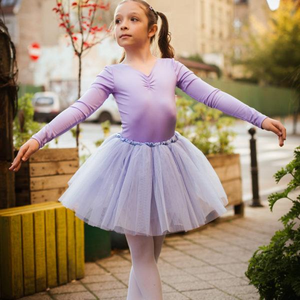 Co jedzą baletnice? Uczennica Szkoły Baletowej Anny Niedźwiedź pozuje do sesji zdjęciowej w Poznaniu.